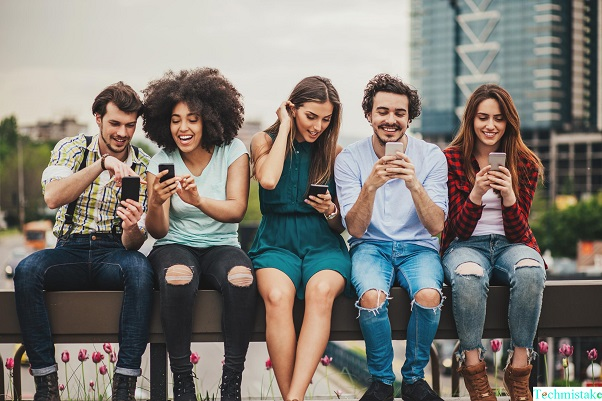 positive and negative effects of smartphones on society